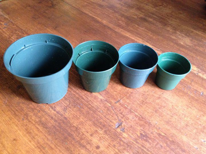 pots in ascending sizes